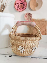 Load image into Gallery viewer, Pink shell flower bolga basket
