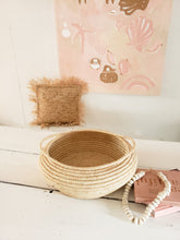 Load image into Gallery viewer, natural seagrass basket with handles