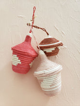 Load image into Gallery viewer, set of 3 basket ornaments