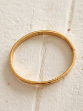 Load image into Gallery viewer, Gold bangle bracelet