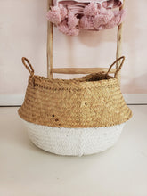 Load image into Gallery viewer, white seagrass basket