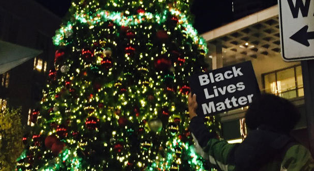 VIDEO: Black Lives Matter Protestors Rip Down Chicago Christmas Tree