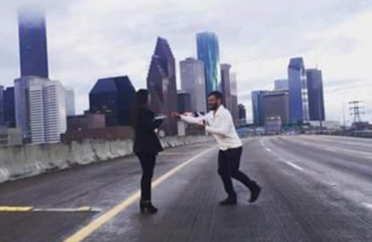 Idiot Shuts Down Texas Highway for Marriage Proposal (Video)