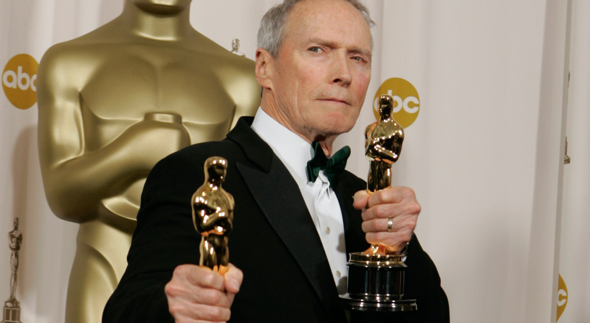 "Watch Clint Eastwood bring clarity to the ""Oscar controversy"""