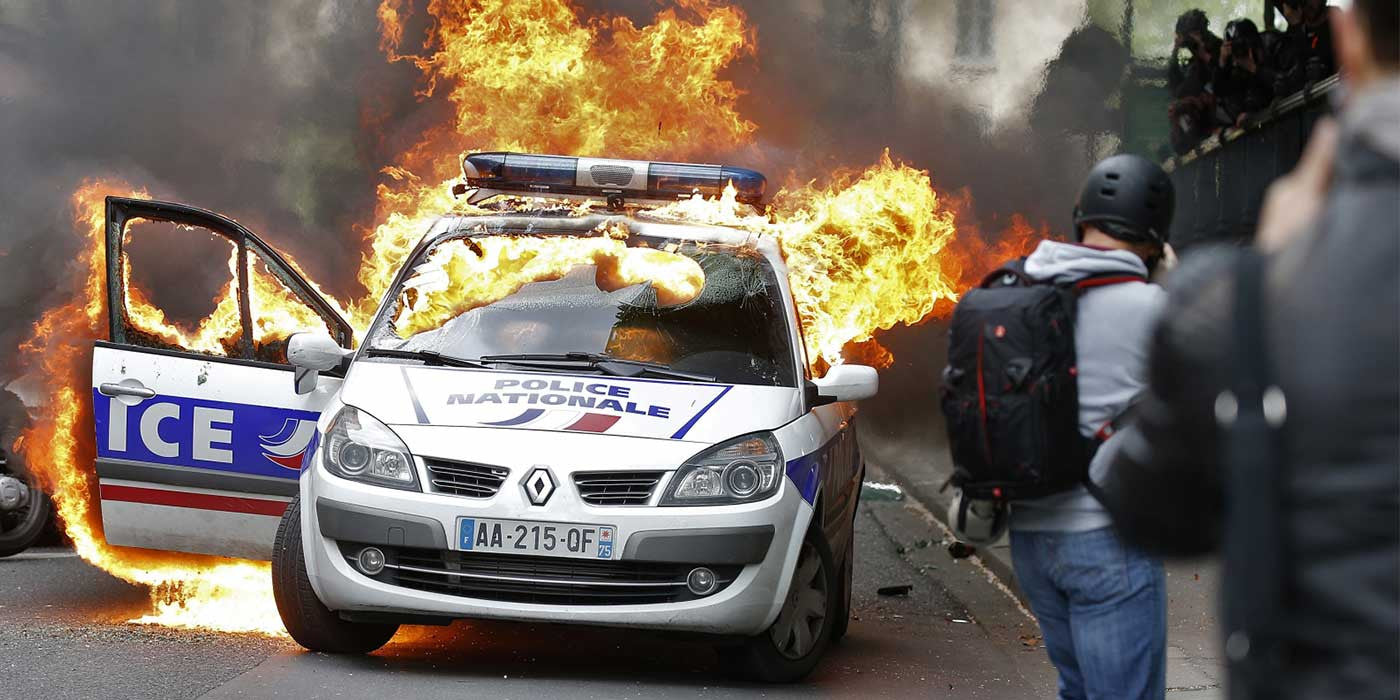 VIDEO: French Protesters Savagely Beat Police Officer