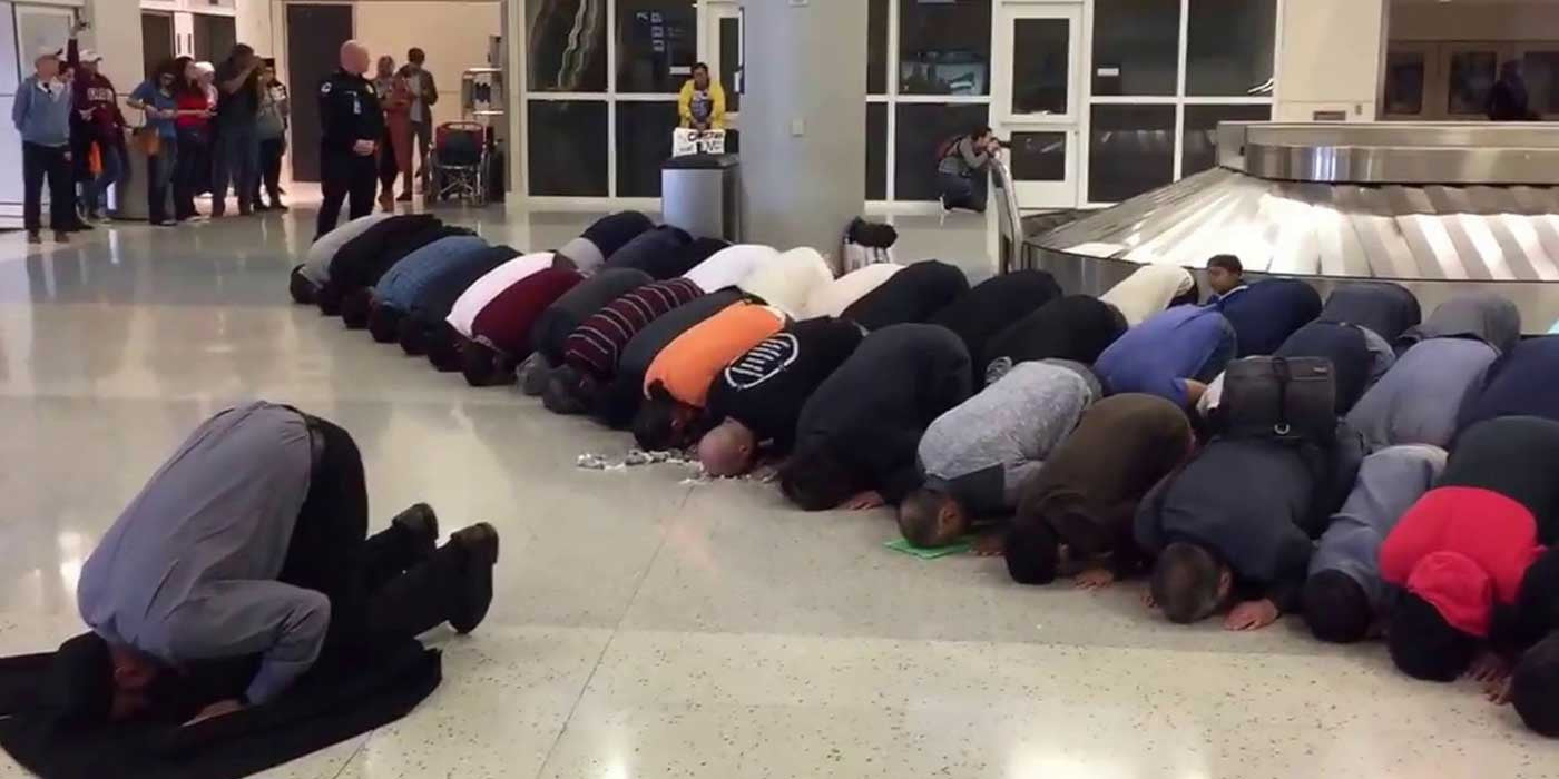 VIDEO: Muslim Protesters Take Over Dallas / Fort Worth Airport Terminal