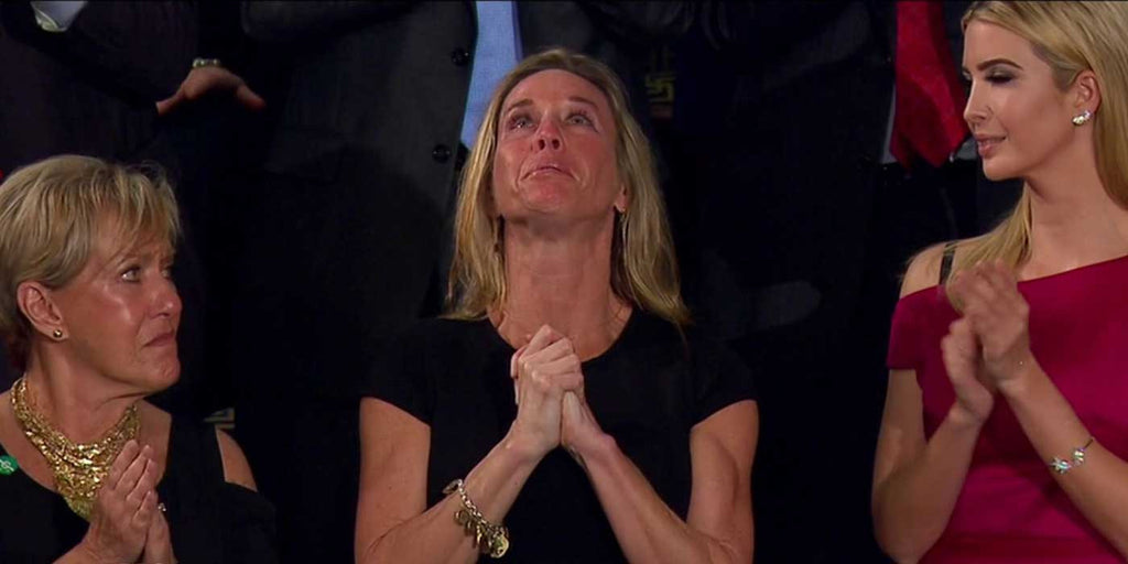 VIDEO: Wife of fallen SEAL receives more than 2 min standing applause