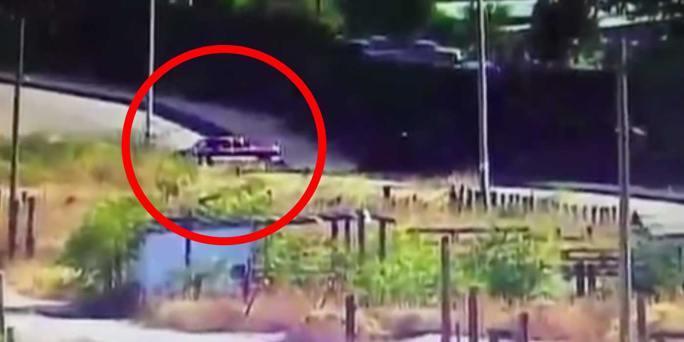 Video captures trucks driving through breach in US-Mexico fence...