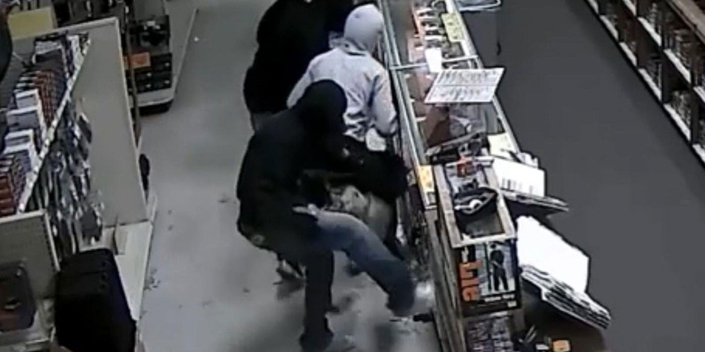 WATCH: 10 Gang Members Rob Texas Gun Store