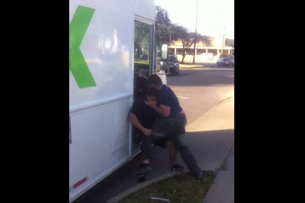 VIDEO: FedEx Driver Fights Angry Texas Teen On The Street