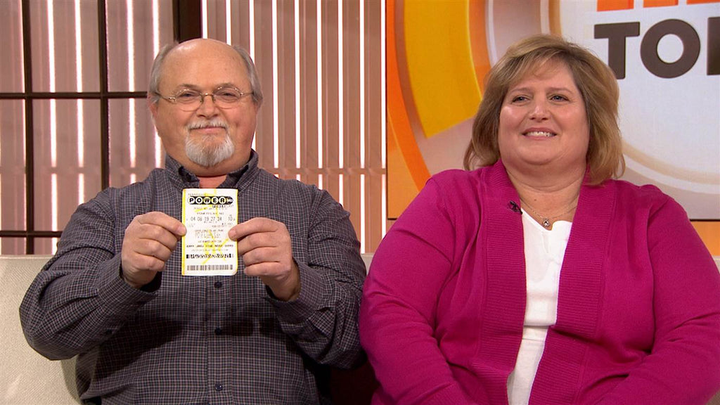 Tennessee Couple Claim Winning Powerball Ticket John Lisa Robinson