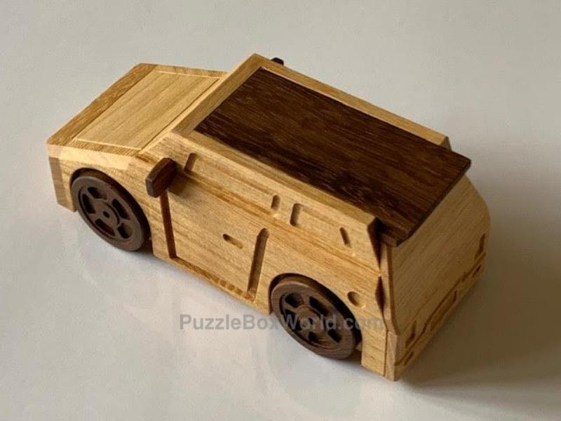 The Slammed Car Puzzle Box designed by Junichi (Juno) Yananose