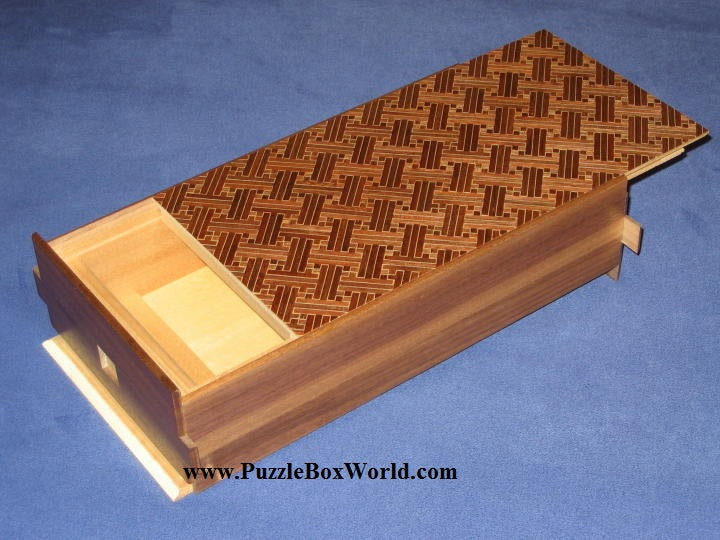 products/10_sun_28_step_saya_natural_wood_japanese_puzzle_box.jpg