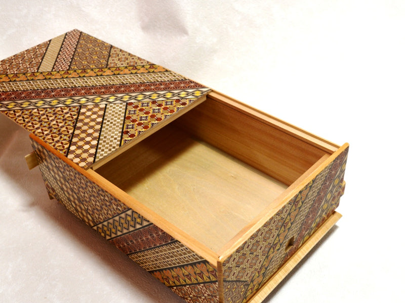 products/12_sun_28_step_koyosegi_japanese_puzzle_box_4.jpg