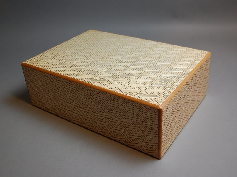 products/12_sun_4_step_white_saya_japanese_puzzle_box_1.jpg