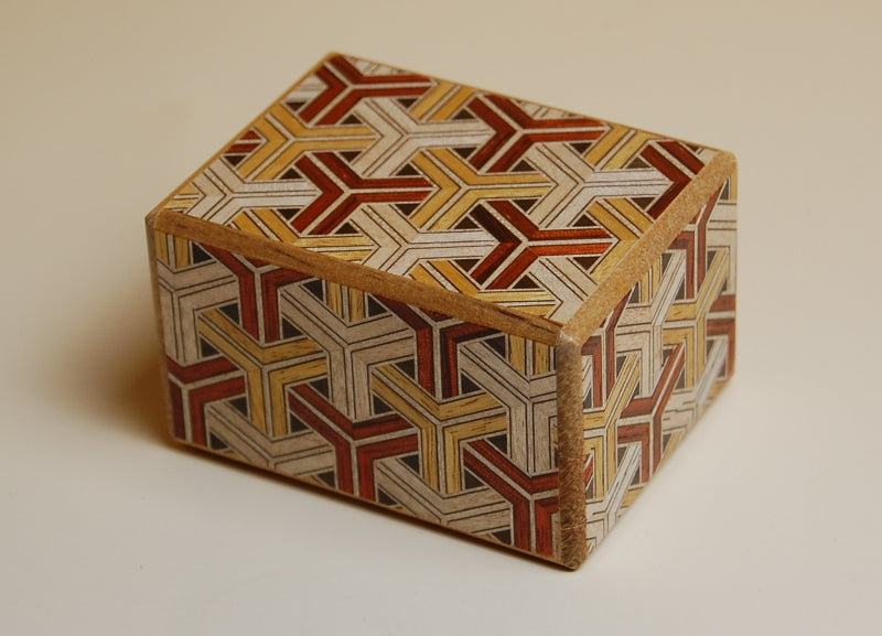 products/2.7_sun_12_step_kikkou_japanese_puzzle_box_2.jpg