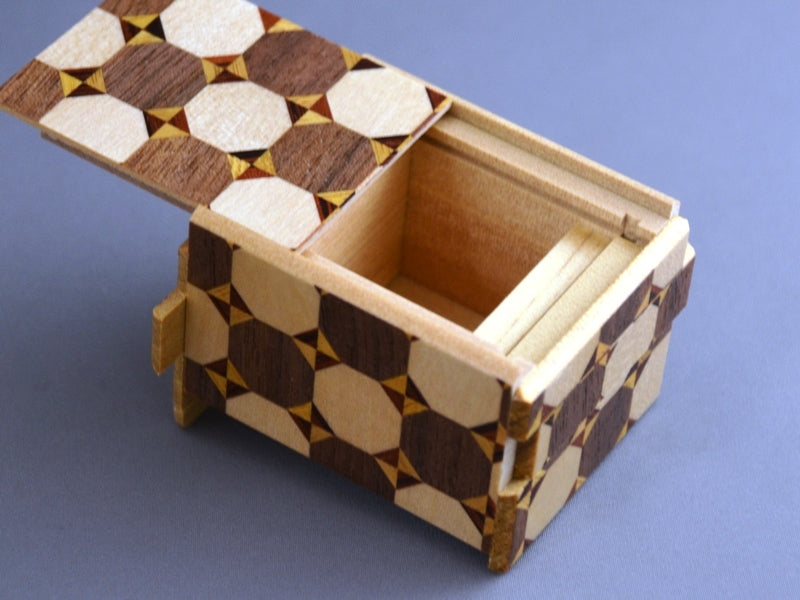 products/2_sun_10_step_kagome_japanese_puzzle_box_2.jpg