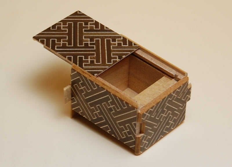 products/2_sun_10_step_saya_b_japanese_puzzle_box_2.jpg