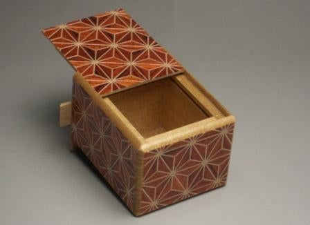 products/2_sun_7_step_akaasa_japanese_puzzle_box.jpg