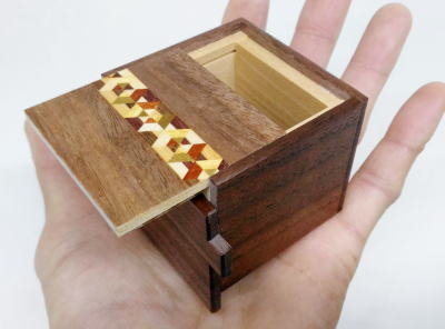 products/2_sun_7_step_kobako_japanese_puzzle_box_2.jpg
