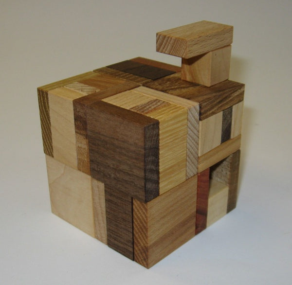 Hooked Cube Puzzle