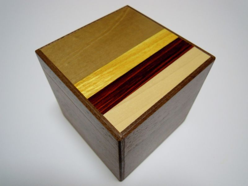 products/3_sun_14_step_natural_wood_cube_japanese_puzzle_box1.jpg