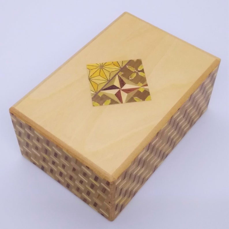 products/4_Sun_7_Step_Diamond_Tagai_Japanese_Puzzle_Box_1.jpg