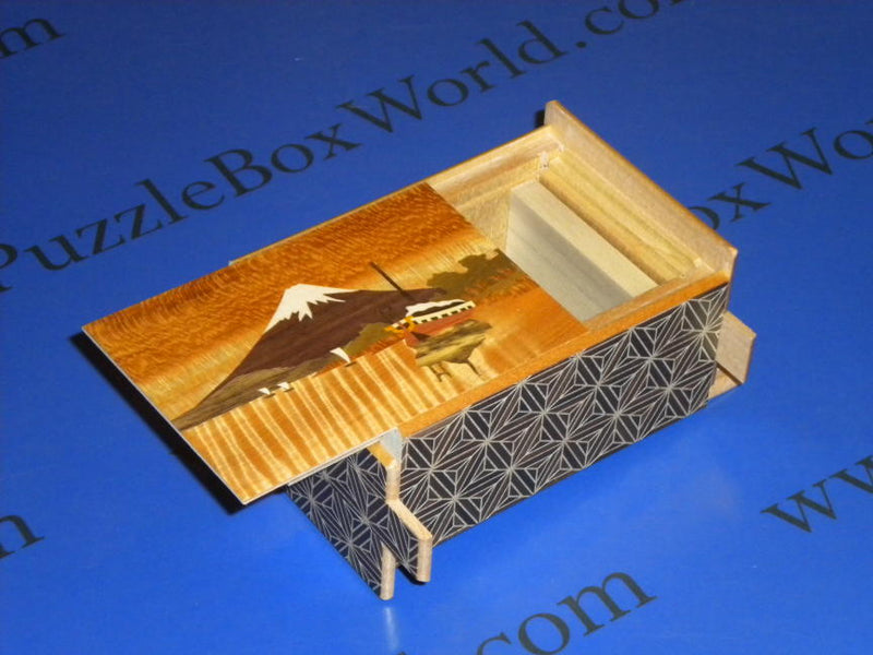 products/4_sun_21_step_sansui_zougan_japanese_puzzle_box_3.jpg