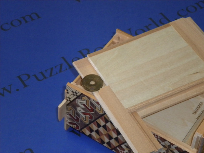 products/5_sun_7_3_step_yosegi_japanese_puzzle_box_with_secret_drawer_4.jpg