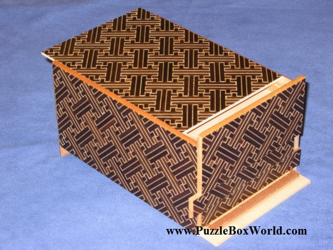 products/6_sun_14_step_saya_double_compartment_japanese_secret_puzzle_box.jpg