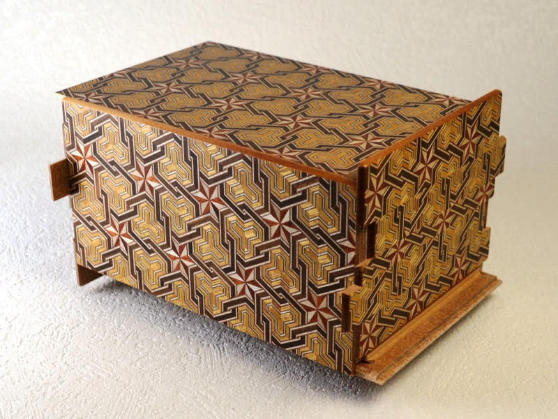 products/6_sun_36_1_step_hineri_japanese_puzzle_box_2.jpg