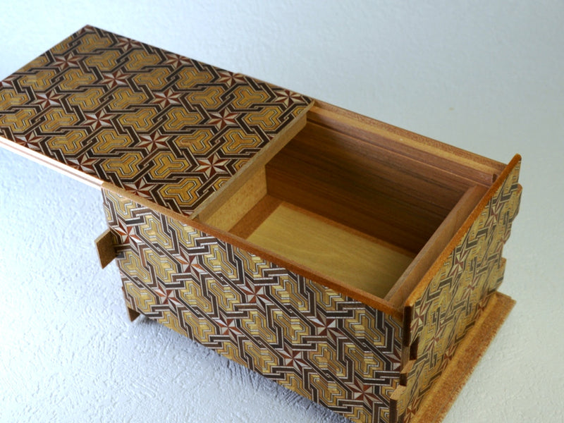 products/6_sun_36_1_step_hineri_japanese_puzzle_box_3.jpg