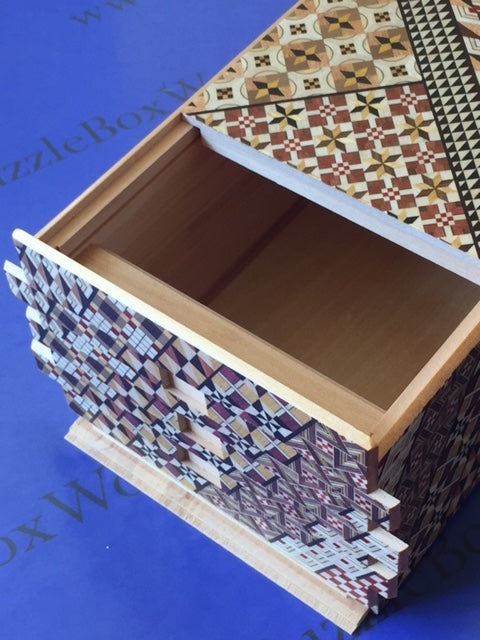 products/7_sun_72_1_step_yosegi_japanese_puzzle_box_4.jpg
