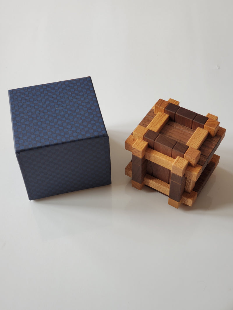 products/8_Burr_Box_Puzzle_2.jpg