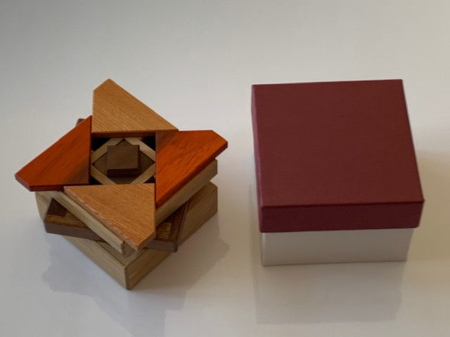 products/Karakuri_Secret_Base_Puzzle_Box_by_Hiroshi_Iwahara_2.jpg