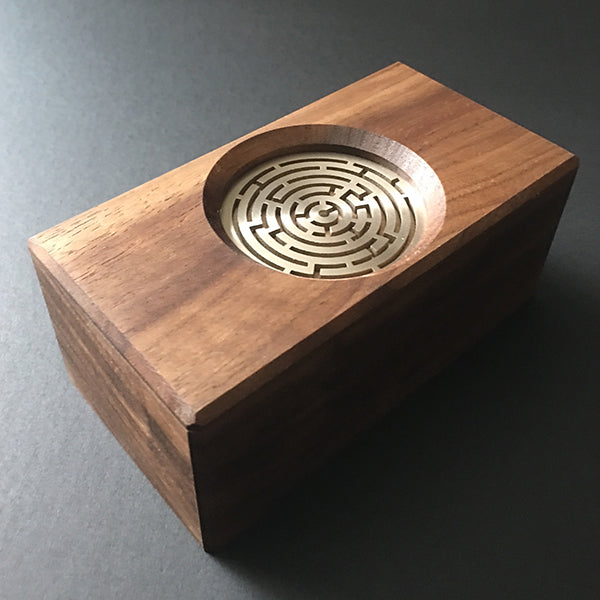 products/Walnut_Maze_Puzzle_Box_by_Kagen_Sound.jpg
