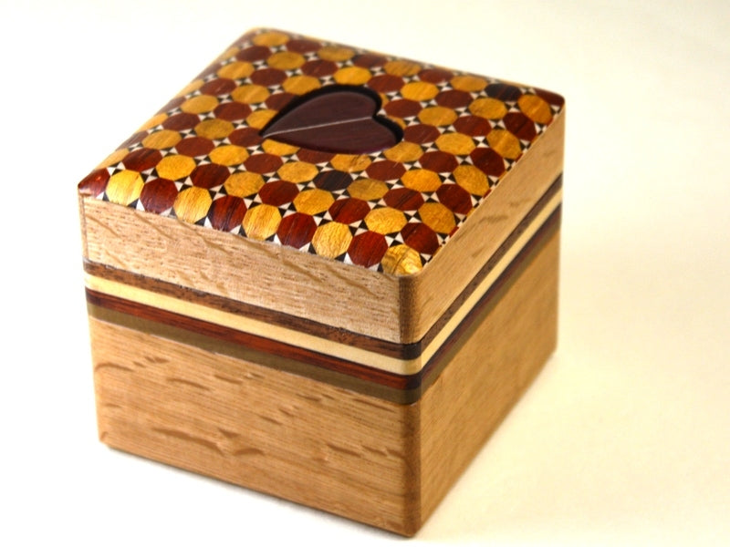 products/a_chance_meeting_kagome_japanese_puzzle_box_1.jpg