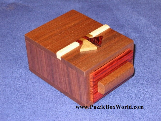 products/a_slight_drawer_japanese_puzzle_box_by_hiroyuki_oka.jpg