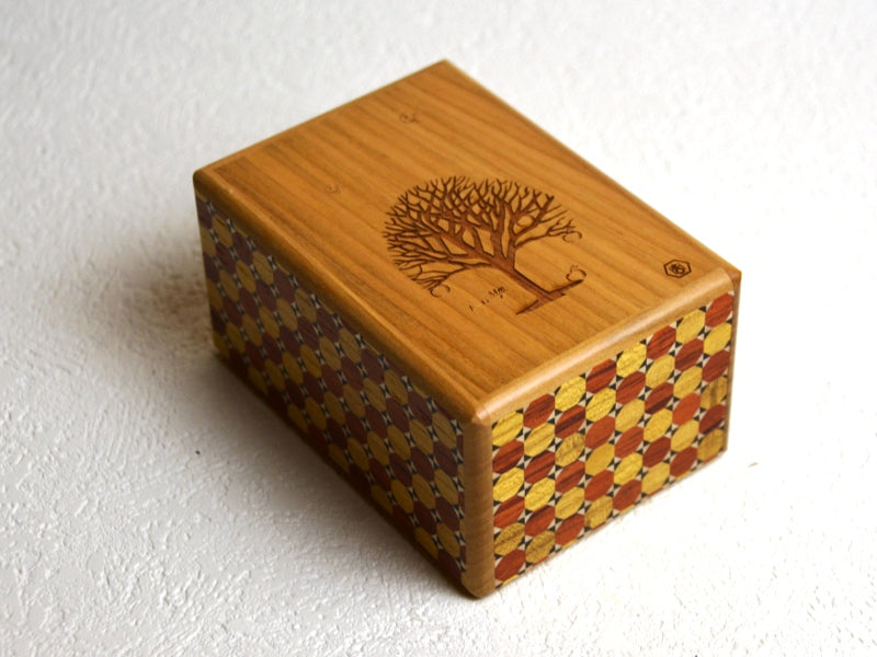products/box_with_a_tree_kagome_japanese_puzzle_box1.jpg