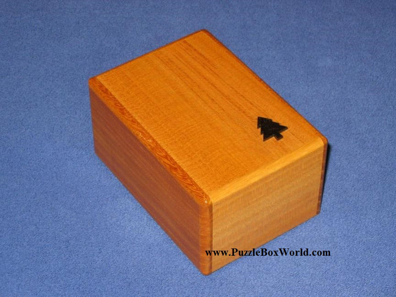 products/box_with_a_tree_natural_wood.jpg