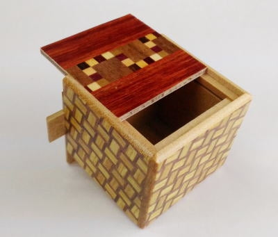 products/kobako_7_step_japanese_puzzle_box_c_2.jpg