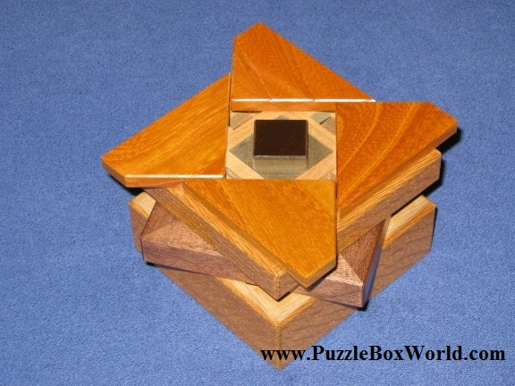 products/limited_edition_secret_base_box_y_puzzle_2.jpg