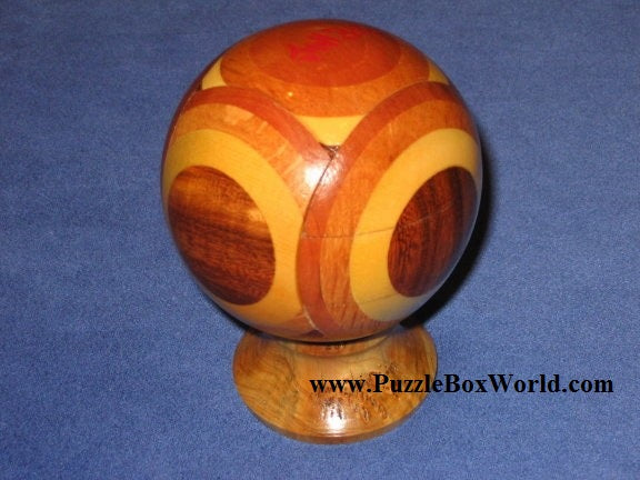 products/mung_kow_puzzle_ball_by_stephen_chin_1.jpg