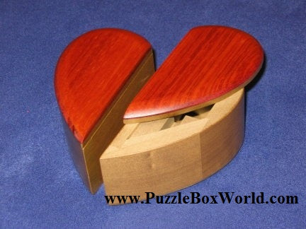 products/petit_heart_k_karakuri_japanese_puzzle_box_2.jpg