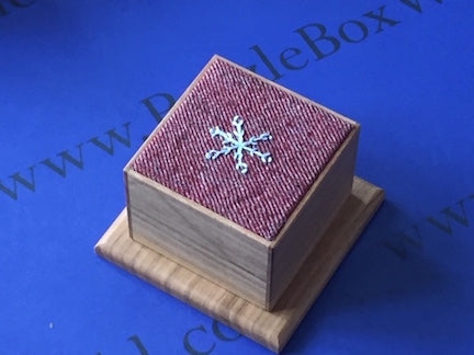 products/snow_dance_japanese_puzzle_box_by_hoshino.jpg