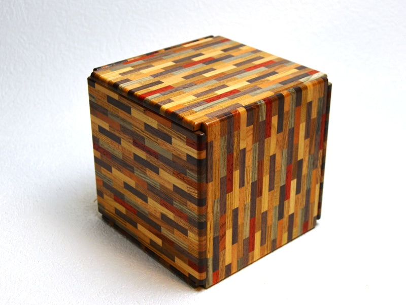products/super_cubi_324_step_yosegi_muku_lr_japanese_puzzle_box_1.jpg