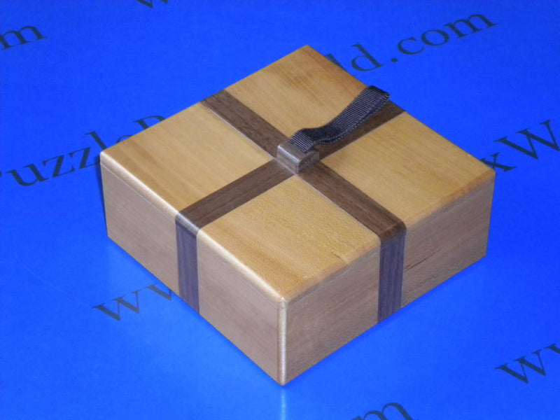 products/tipsy_japanese_puzzle_box_by_tatsuo_miyamoto.jpg