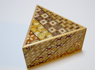 products/triangle_7_step_yosegi_japanese_puzzle_box_by_oka1.jpg