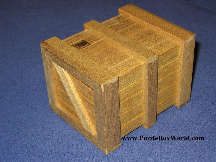 products/yoshiyuki_ninomiya_mini_crate_iii_japanese_puzzle_box.jpg