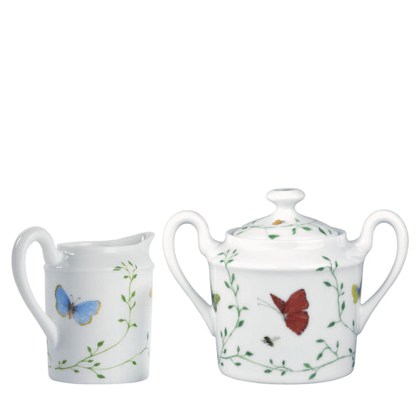 Set of sugar bowl and creamer